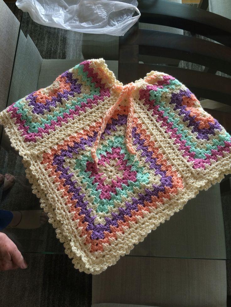 Poncho para niñita, diseñado por nuestra Profe Tete