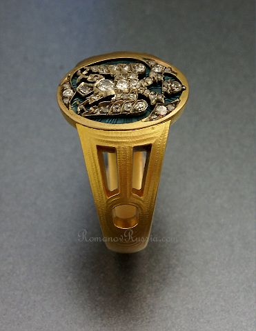 THE ROMANOVS JEWELRY~ FABERGE || After the fall of the Byzantine empire in the 15th century, Russia adopted the Byzantine double headed eagle as its state emblem. Over the following centuries, the state eagle was modified several times, but in the 1910s, the original Byzantine eagle was revived in decorative arts. The ring was made in St. Petersburg by Faberge's workmaster Vladimir Solovyov. Could be presented by mother of Nikolay II to men only for service and assistance to The Romanovs