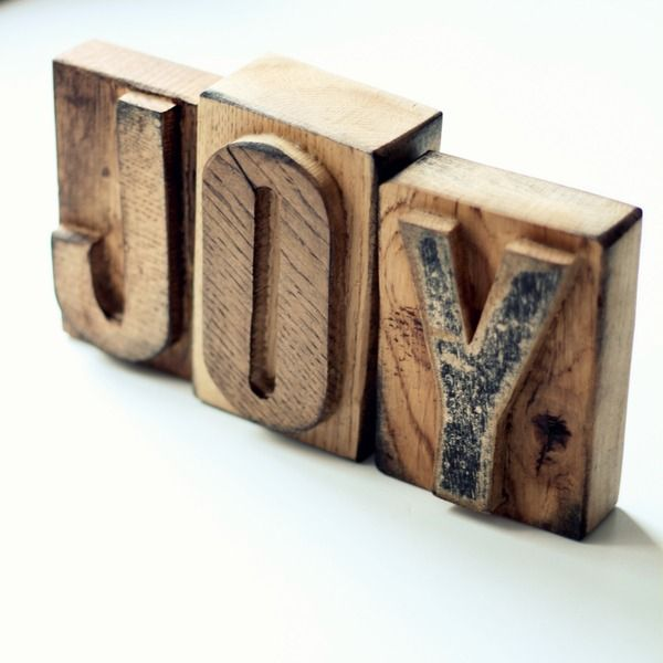 Holz Buchstaben // Wood-letters by Magie aus Holz via DaWanda.com