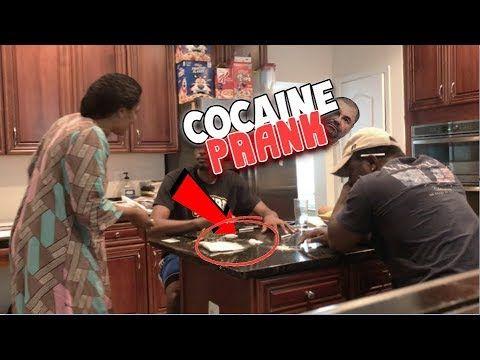 COCAINE PRANK ON AFRICAN MOM ! (Gone crazyy ) #pranks #funny #prank #comedy #jokes #lol #banter