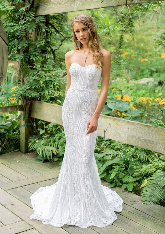 d24f901ae2 If you're planning a destination wedding, try on some of Justin Alexander's  Lillian