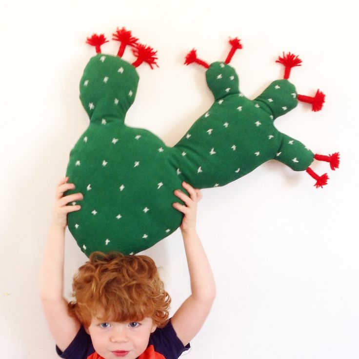 Hug a cactus! Prickly Pear Cactus Cushion / Zozo & fro