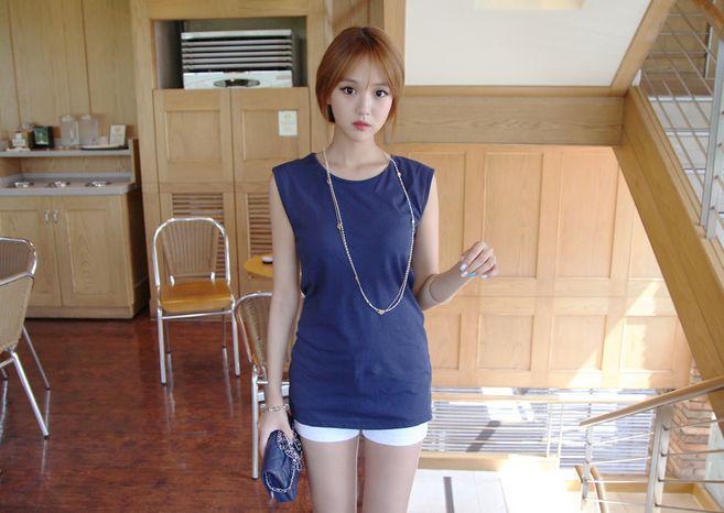 Korea Womens Luxury Shopping Mall [mimindidi] #koreafashionshop #Fashionwomen #korea #dailylook #dailyfashion #outer #tops #blouse #knit #cardigan #dress #skirt #pants #bag #shoes #acc #summerwear #koreafashion #tops #simpletops #summertops #luxurytops Anti-Ku  / Size : Free / Price : 21.12 USD