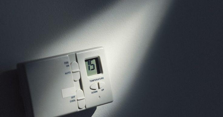 """La temperatura adecuada para una calefacción central. Los sistemas de calefacción central proporcionan una comodidad que es fácil de obtener. Alrededor del 45 por ciento del dinero gastado en energía va a la calefacción y refrigeración, con un promedio de alrededor de US$10.000 en 10 años, de acuerdo con la California Energy Commission. Si bien es común tomar un enfoque de """"establecimiento y olvido"""" ..."""