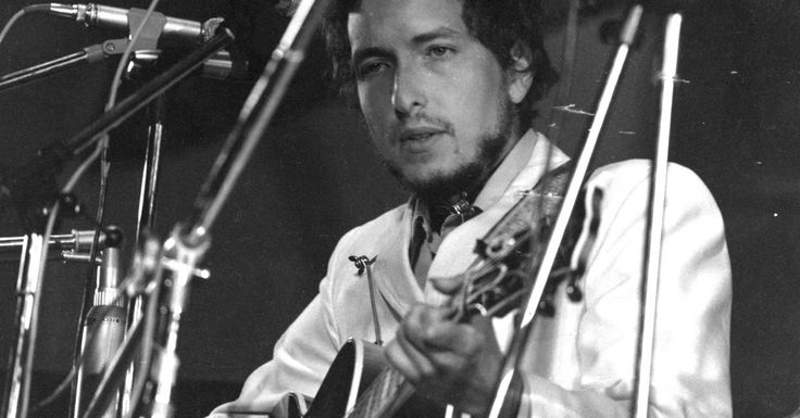 How Dylan Saved Rock 'n' Roll From Itself | Music Aficionado