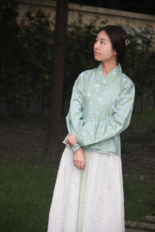 Hanfu traditionelle chinesische Kleidung Damen Han von HanfuStyle, $210.00
