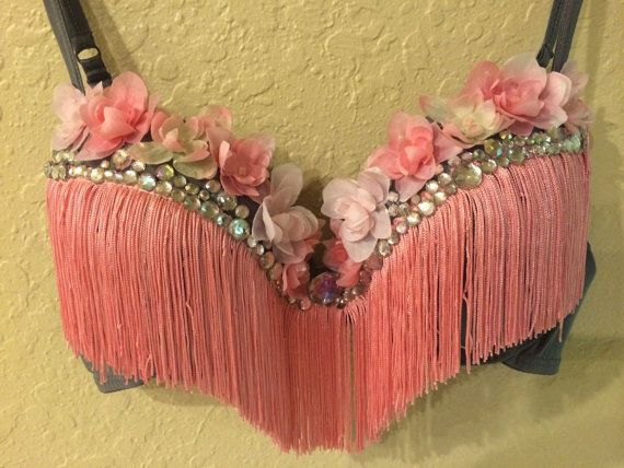 Pink rave bra by LinesOfEuphoria on Etsy                                                                                                                                                      Más