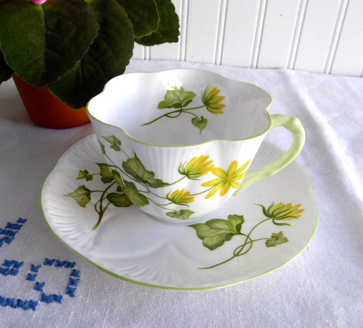 Shelley Celandine Dainty Shape Cup and Saucer English Bone China Green – Antiques And Teacups