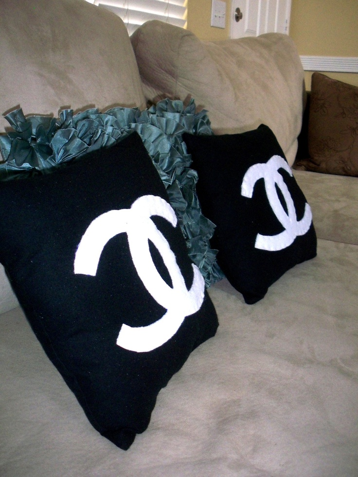 Chanel Leather Throw Pillow : Chanel inspired Loved rooms Pinterest Chanel, Decoration and Custom Pillows