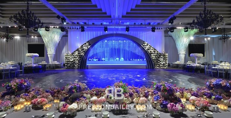 Ballroom Crystals Flowers Modern Reception Stage Table