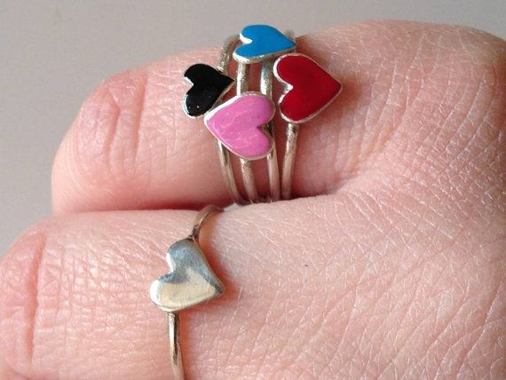 Heart Ring Love Minimalist ring Band ring by PlusLoveStudio - 14.60euro