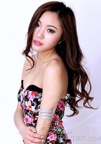 Dating China woman yao from Guangzhou, 35 yo, hair color Brown