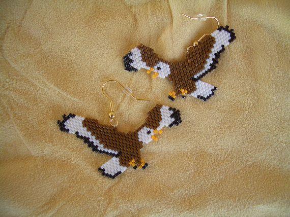 Orecchini in rilievo di aquila volante. Fatto a mano nativo americano autentico. Delica Beads. Brick Stitch. Design sud-ovest. Peso leggero,