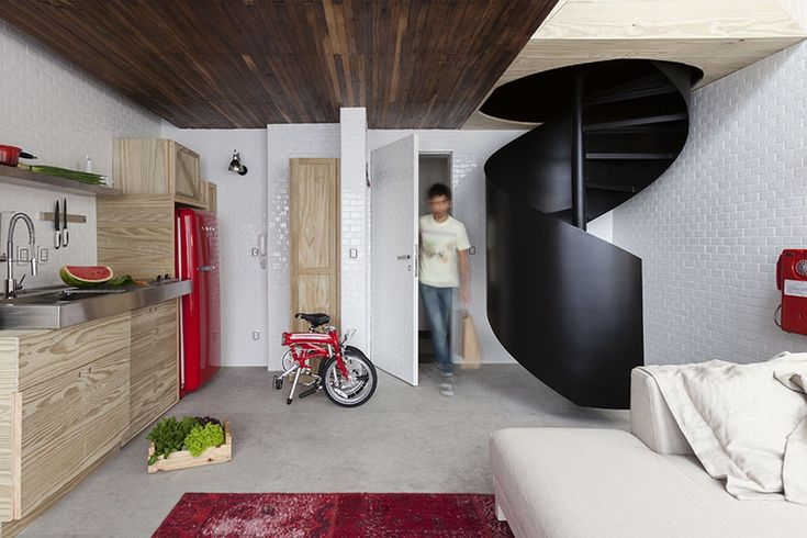 Awesome staircase in a small apartment - Roomed