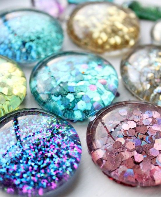 DIY Glitter Magnets-- I'd do them just in gold for the fridge!
