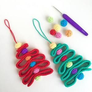 10 Cute FREE Christmas Ornament Crochet Patterns: Ribbon Christmas Tree FREE Crochet Ornament Pattern