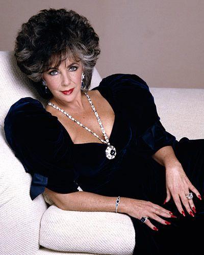 Elizabeth Taylor wearing the BVLGARI Sapphire Sautoir