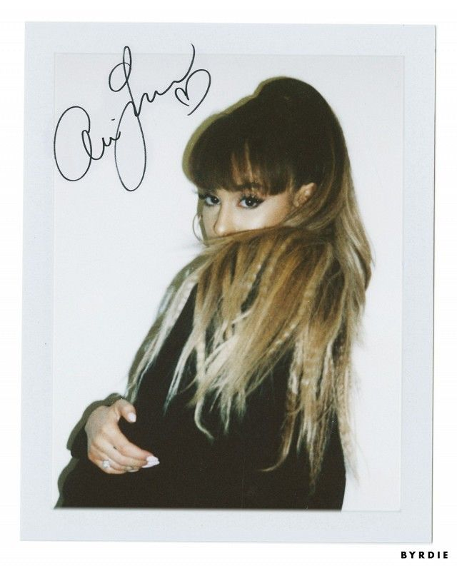 Ariana Grande's crimped ponytail is so '90s chic