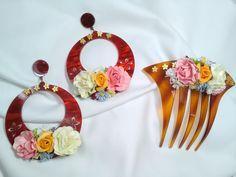 Pendientes y peineta de flamenca con base de acetato color carey  florecillas de colores, Flamenco earrings with flawers comb, Spanich dance de ViRemDesigns en Etsy