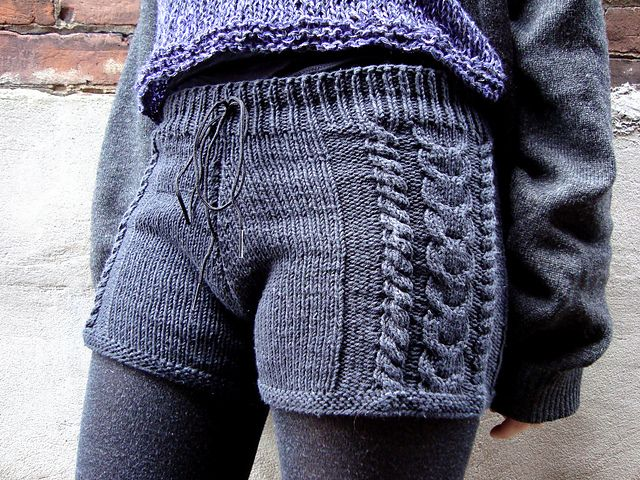 Chiko's Denim Gams - Free Knit Shorts Pattern from Knitty - Would wear these all the time!