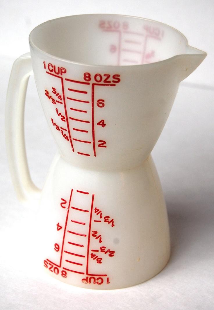 Vintage Tupperware Wet Dry Measuring Cup. $10