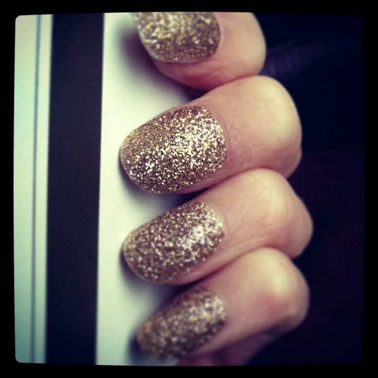 Gold glitter nails. #xmasparty