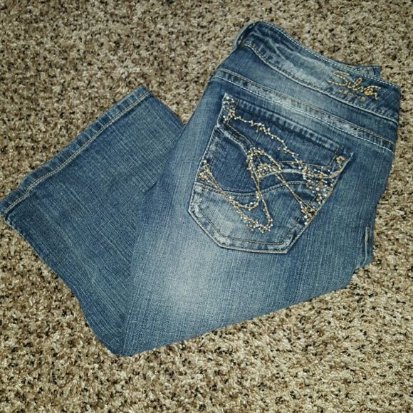 Cute Silver shorts 14 inch inseam.  In excellent condition worn only a few times. Silver Jeans Shorts