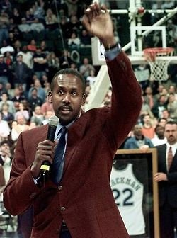 March 11, 2000 - Rolando Blackman, holder of 24 Dallas Mavericks records, was honored by the team when it retired his No. 22 jersey during halftime of Dallas' game against Phoenix at Reunion Arena. Blackman joined Brad Davis (No. 15) as the only Mavericks to be so honored.