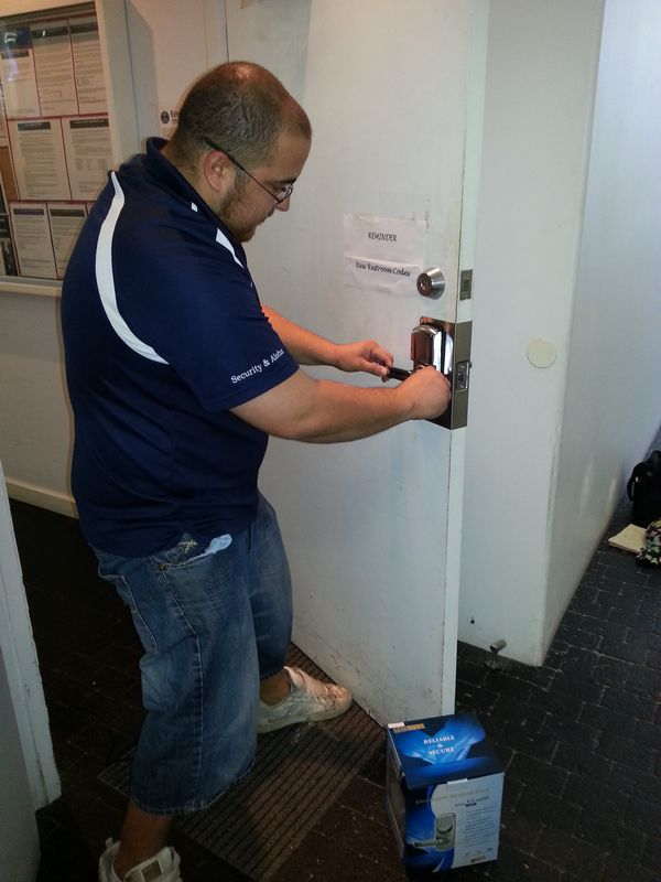 Local Dee Why locksmith help you anytime when you need them.