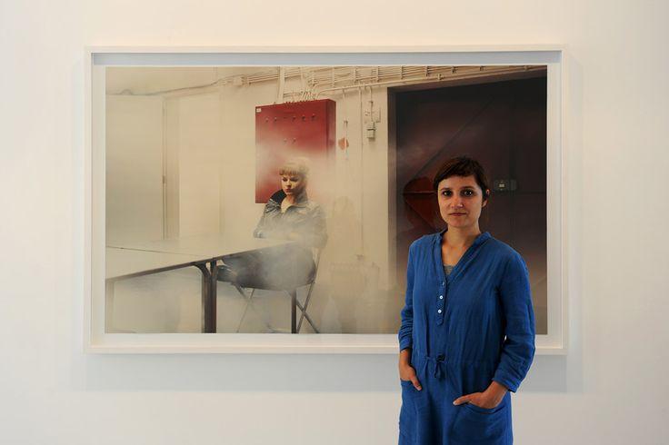 """""""Limbo"""" é uma exposição de fotografia que é """"um retrato emocional de uma geração"""". Começou a ganhar forma mais ou menos entre a manifestação de 12 de Março de 2011 e o dia em que"""
