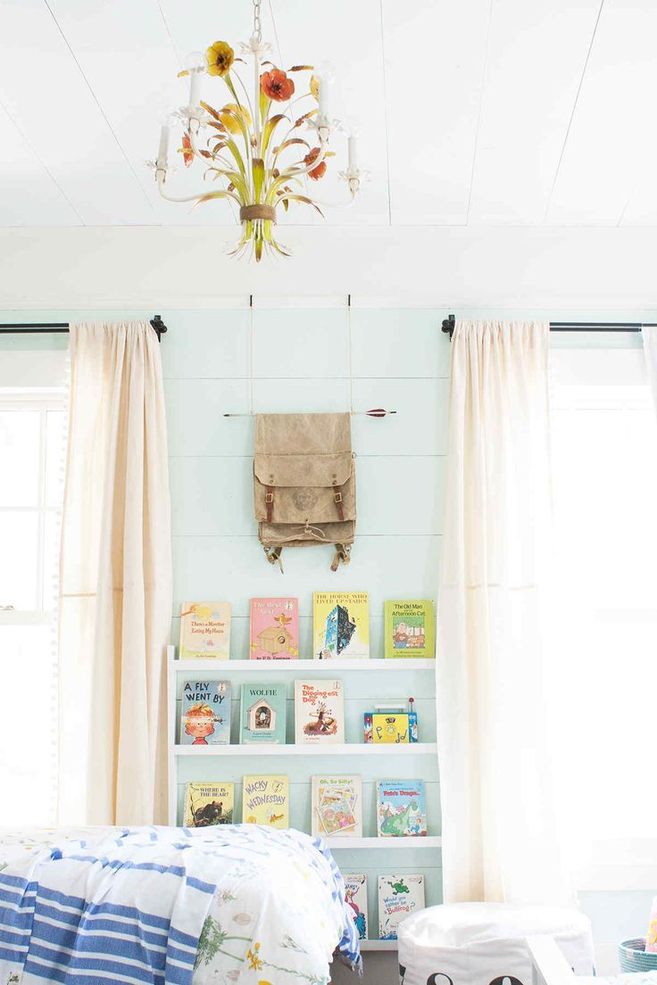 DIY wall mounted bookcase
