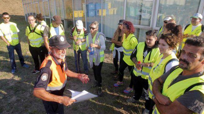 Voluntarios que buscan a Diana Quer rastrean la zona montañosa de A Curota