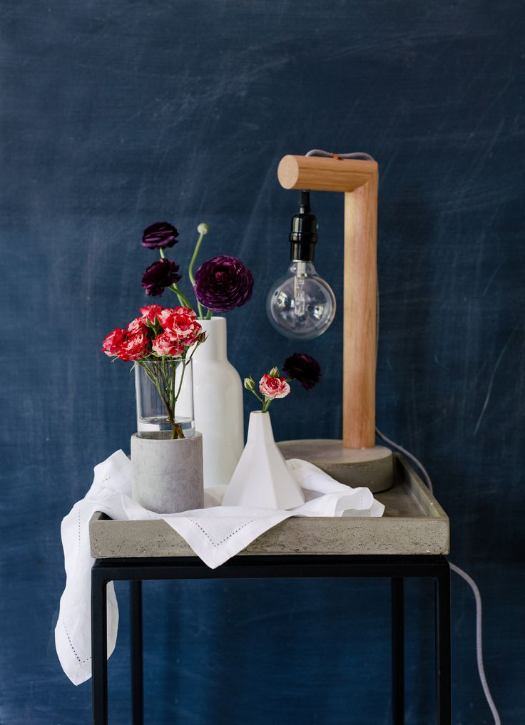 Pairing the dramatic - Matisse Roses with black Ranunculus. Photography: Hannah Blackmore. Styling: Olivia Blackmore.