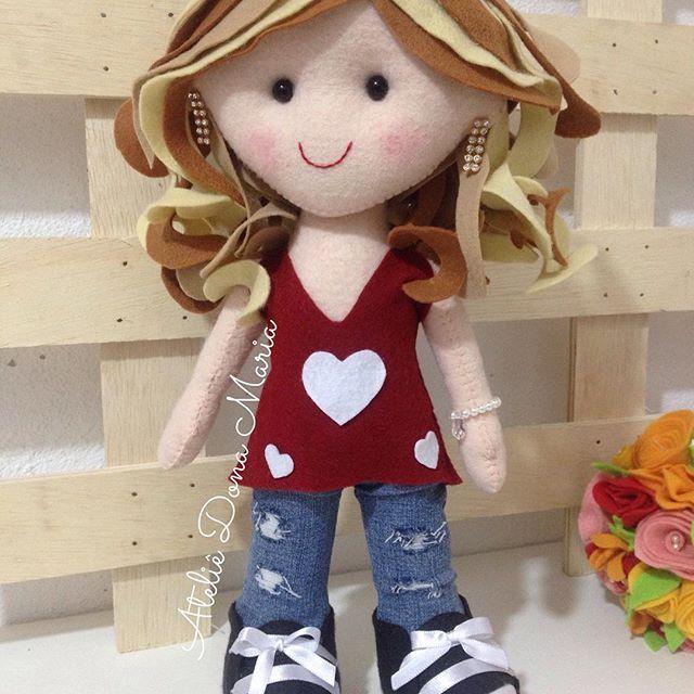 Boneca Maitê #feltro #fofura #feitocomamor #delicada #ateliedonamaria