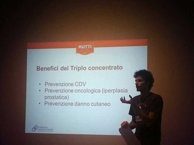 Pomodoro proprietà: #BuonoeFaBene nel Triplo Concentrato Mutti