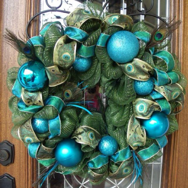 Beautiful peacock wreath....Already have the feather wreath, just need to add some extras :)
