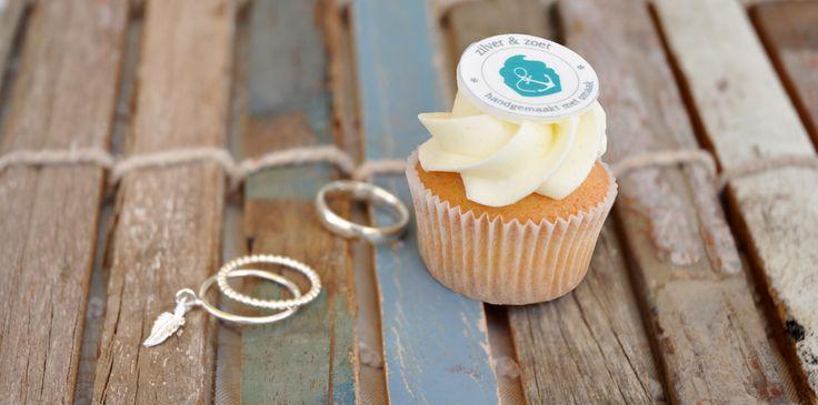 Zilver& Zoet is een concept van twee zussen met de combinatie van zilveren sieraden en zoete gerechten als cupcakes en cakepops!
