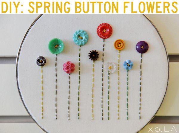 pretty.  love buttonsButton Flowers, Crafts Ideas, Spring Flower, Buttons Crafts, Button Crafts, Buttons Art, Embroidery Hoop Art, Buttons Flower, Spring Crafts