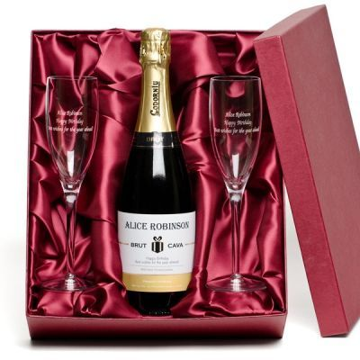 Personalised Bottle of Cava and Engraved Glasses - The Personalised Gift Shop #Valentines