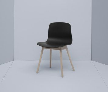 About A Chair-Hay-Hee Welling