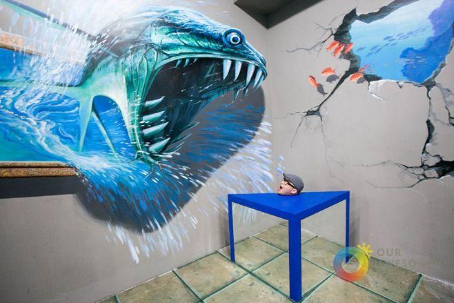 Filipinler'deki 3D Sanat Müzesi - Filipinler'deki bu müze ziyaretçilerinin istedikleri kadar fotoğraf çekebilmesi, sanat eserleri ile eğlenmesi ve etkileşim kurabilmesine teşvik etmek için kurulmuş…%20Müzedeki sanat eserleri belli bir açıdan fotoğraflandı zaman optik illüzyonlar yaratan benzersiz resimler ile dolu. Manila'daki bu müthiş müzeyi şimdiye kadar ziyaret etmediyseniz, bu müthiş sanatının bir parçası olmak için geç kalmış değilsiniz;