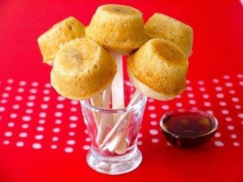 PANCAKE SAUSAGE MUFFINS ON STICK. THESE ARE RIDICULOUSLY GOOD. C ATE FOUR FOR BREAKFAST! I MADE THEM WITH TRADER JOE'S CHICKEN SAUSAGE LINKS, SO THEY WERE LESS FATTENING. GREAT FLAVOR, AND I PLAN TO DO THEM AGAIN -- AND A VERSION WITH BERRIES IN THE MIDDLE.