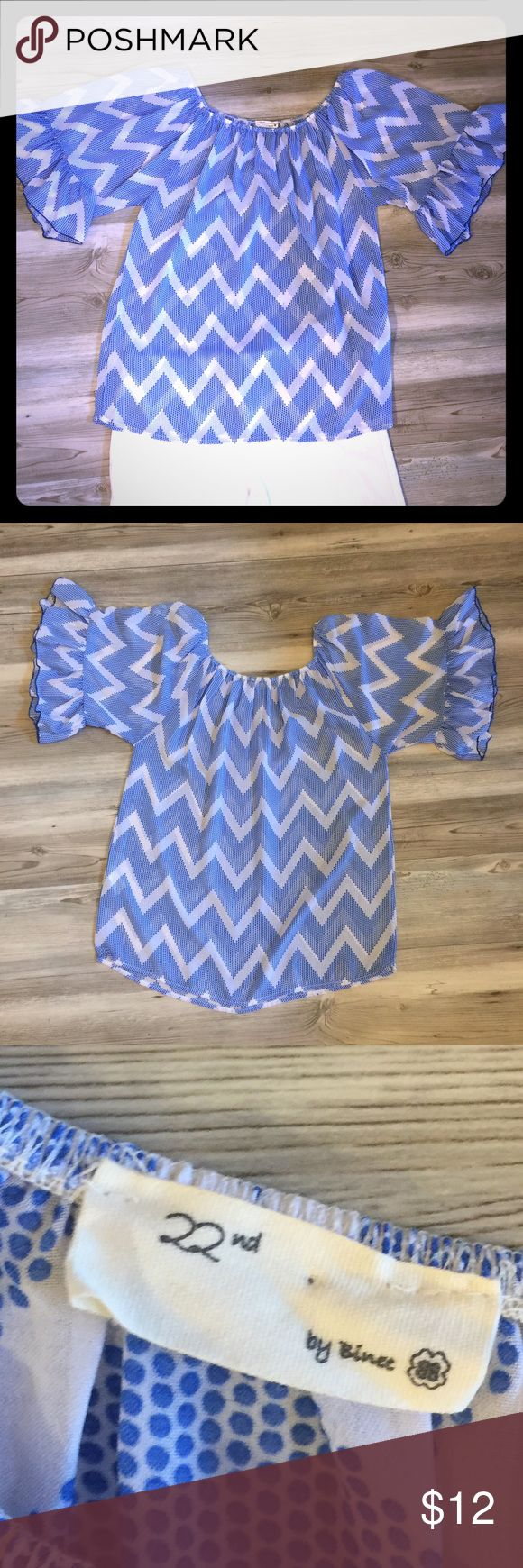 Blue & white chevron blouse Fun & flirty blue & white chevron blouse in size L!  Very versatile!!  Wear with white pant and heels or shorts and flip flops!  See pics for measurements! 22nd by Binet Tops