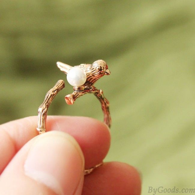 Vintage Bird Pearl Opening Animal Wrap Ring. Do it as bracelet with the same miniature bird :)