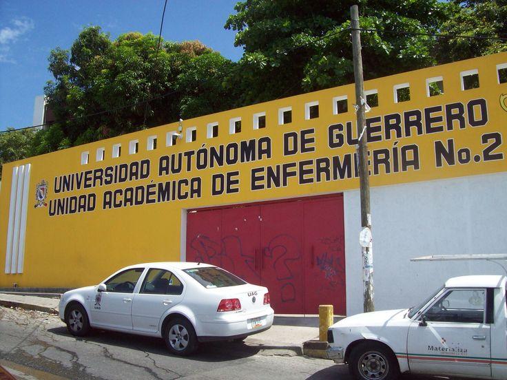 Denuncian robo de equipo de cómputo en facultad de Guerrero - http://notimundo.com.mx/mundo/denuncian-robo-de-equipo-de-computo-en-facultad-de-guerrero/7630