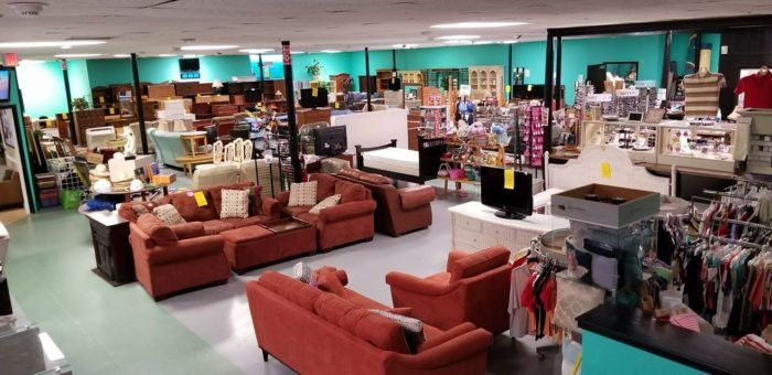 This Bargain Hunters Road Trip Will Take You To Some Of The Best Thrift Stores In South Carolina Thrifting South Carolina Road Trip