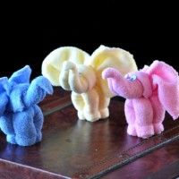 Brilliant elephant idea for face clothes. Also on YouTube.  Washcloth Animal Elephant Video Instructions