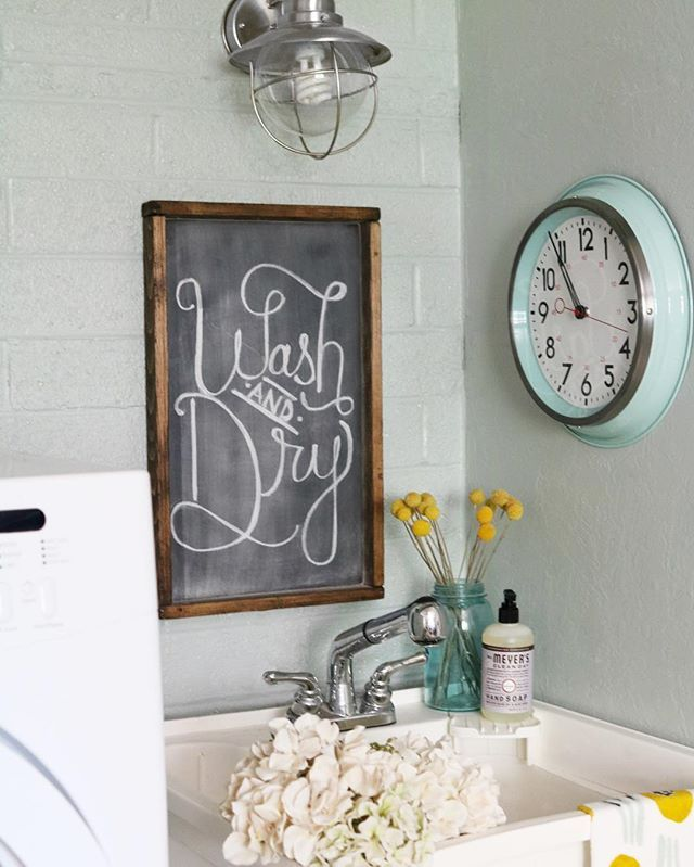 How about this laundry room refresh? 🤗  Head over to the blog to see the deets (and scary before!) aaaaand we wouldn't hate it if you take a peek at @angieslist's blog to vote for our space of the 10 competing bloggers! (Direct link in profile 😘) Now to tackle the opposite side of the room.... uuugh! Happy Monday! #laundryroomrefresh #lollyjane