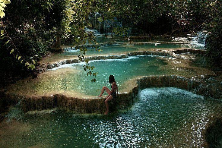 cascade dans le Parc National Erawan, Kanchanaburi
