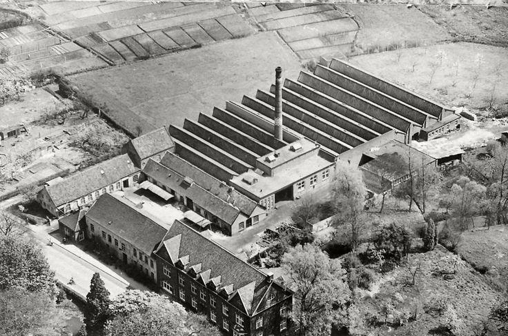 Fabriek en kantoor van A. Van der Heijden & Zoon. Fotobijdrage: Heemkundekring 'De Heerlijkheid Heeze - Leende - Zesgehuchten'
